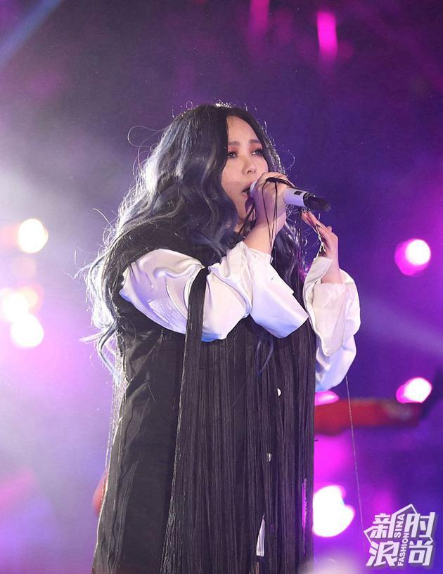 2018年12月31日,张惠妹献唱北京卫视2019跨年冰雪盛典
