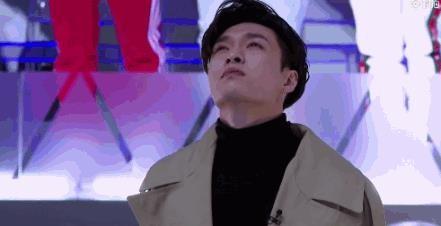 他十七岁孤身一人赴韩练习