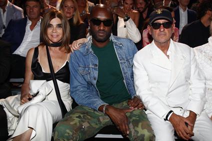 左起Carine Roitfeld,法国版《Vogue》前主编、CR Studio创始人;Virgil Abloh,Off-White创始人、Louis Vuitton 男装创意总监;Andrea Panconesi,LVR CEO