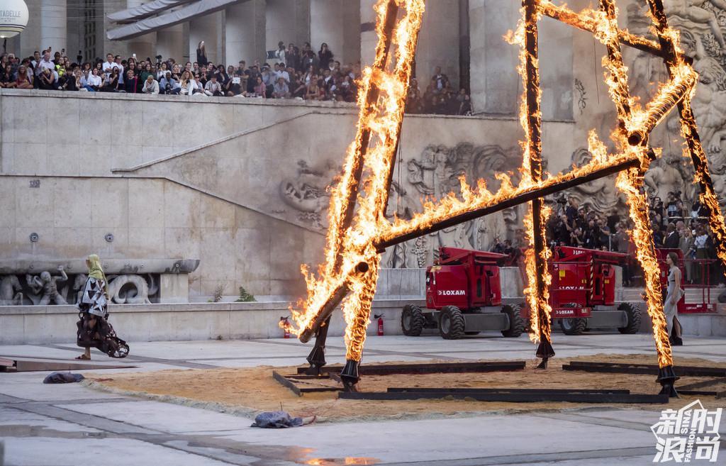 Rick Owens 2019巴黎春夏时装周秀场