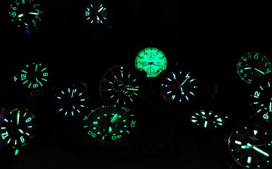 如今Superluminova涂料已经成为潜水表的标配