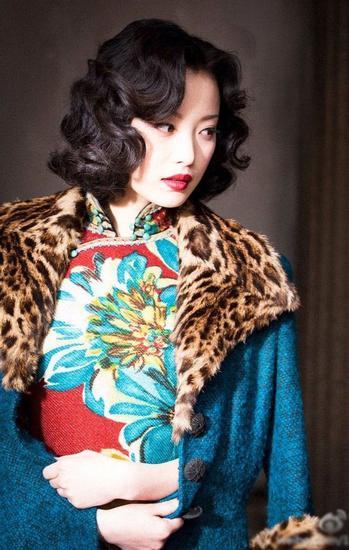 《金陵十三钗》中倪妮的旗袍造型
