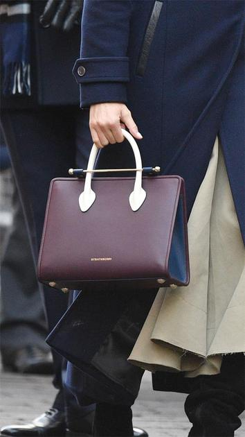 Meghan Markle手提英国爱丁堡品牌Strathberry包袋