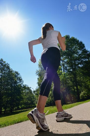 走路也能瘦身 掌握方法轻松减掉赘肉