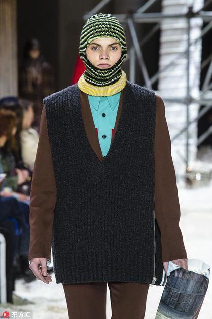 Calvin Klein的脸基尼