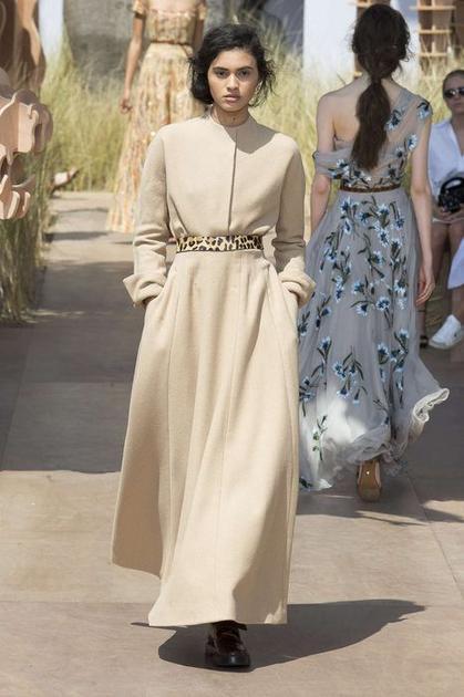Dior的豹纹腰带