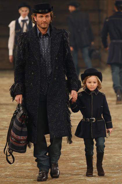 Chanel 2014早秋系列第二个look