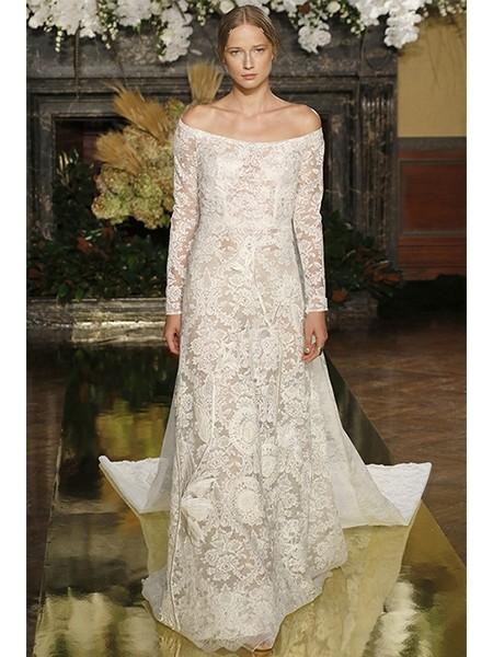 蕾丝材质婚纱