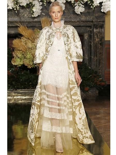 维多利亚风格婚纱