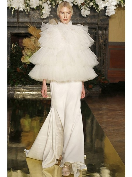 维多利亚风婚纱标志层叠技法