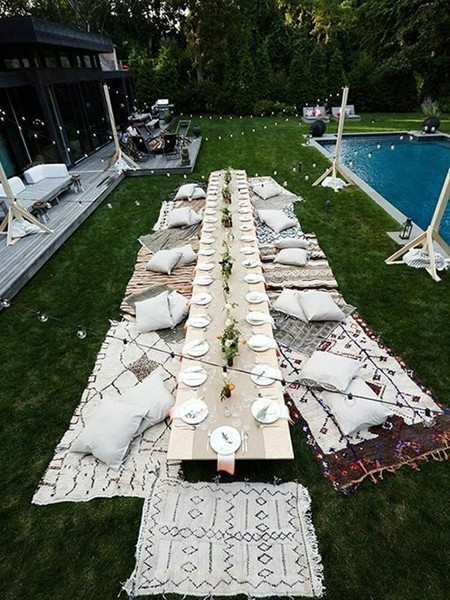 用地毯代替座椅