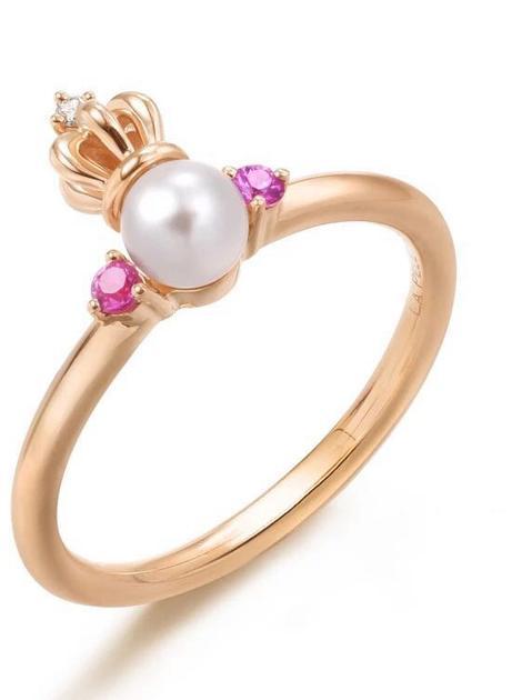 周生生La Pelle系列18K红金皇冠珍珠戒指