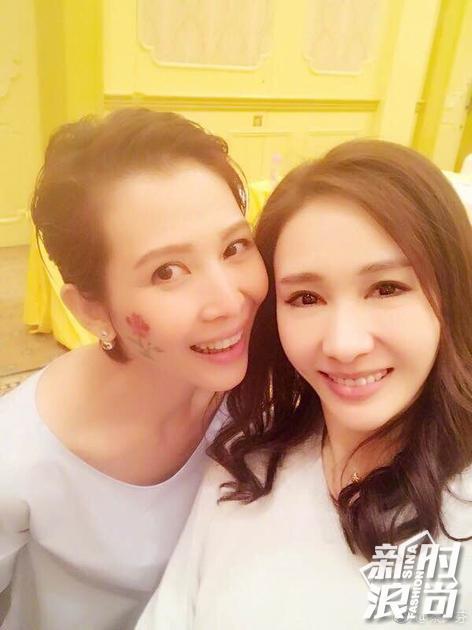 2017年蔡少芬黎姿合影