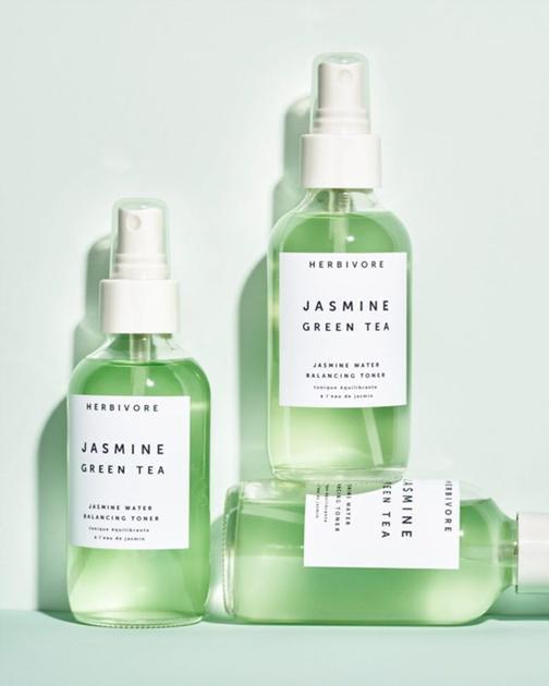 绿茶与茉莉花制成的化妆水