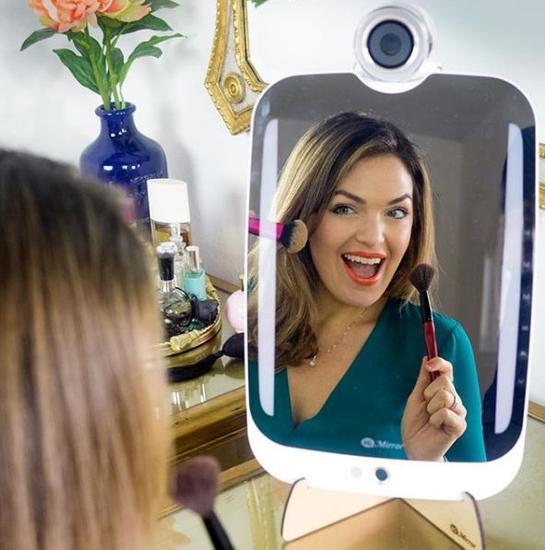 珠宝腕表化妆镜 CES上那些时髦科技大盘点