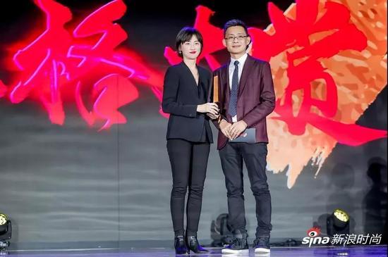 颁奖嘉宾:新浪网营销中心总经理王学猛