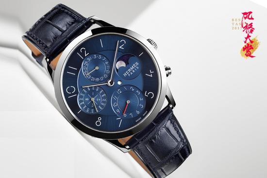 爱马仕 Slim d'Hermès系列万年历铂金蓝盘腕表