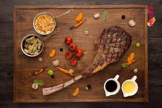 CHAR 恰餐厅及酒廊菜品:战斧式带骨牛排