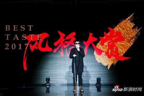 著名歌手、诗人周云蓬演讲《我听故我在》