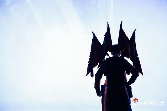 """现场精彩瞬间:谭门第七代嫡传人谭正岩""""背影杀"""""""