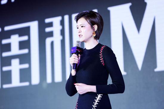 中国著名模特、演员、主持人 李艾