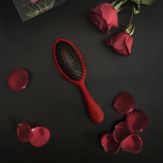 HAIR SECRETS  37号红香氛梳KV图片