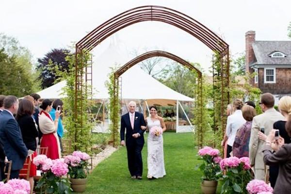 乡村主题婚礼拱门