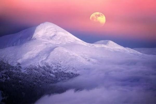 阿尔卑斯少女峰