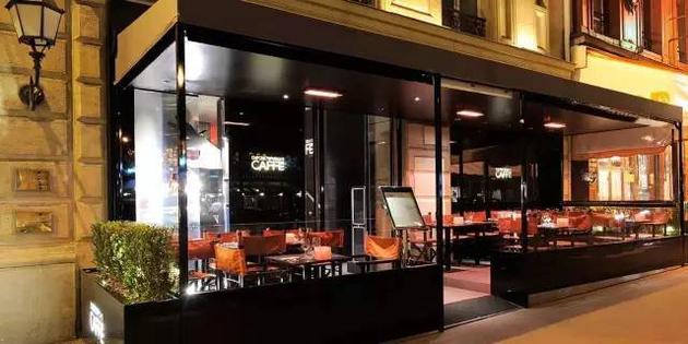 Emporio Armani Caffe店内装饰