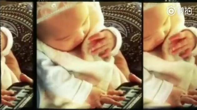 从小婴儿时期就展现了音乐天赋