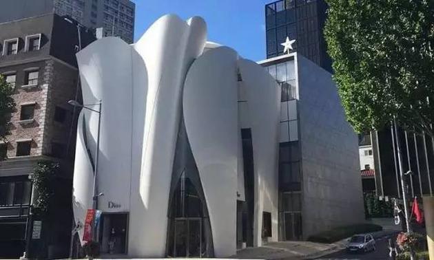 首尔最大的Dior旗舰店