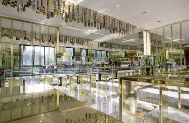 满是金色的黄金概念餐厅