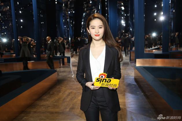 2016年1月刘亦菲出席Christian Dior2016春夏高订大秀
