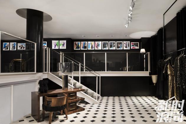 Saint Laurent联手荒木经惟在Colette店铺举办艺术摄影展