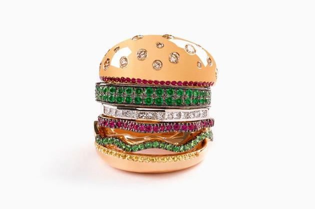 设计师Nadine Gohsn曾经设计过的汉堡戒指