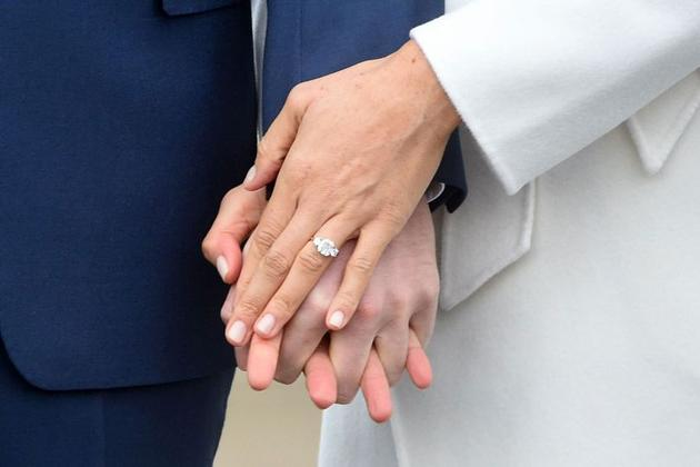Meghan Markle的订婚戒指