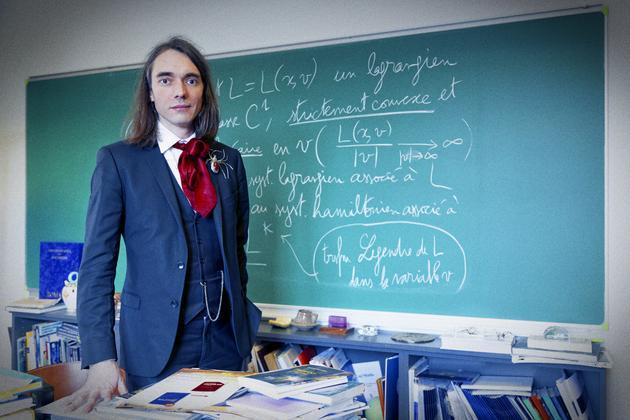 赛德里克-维拉尼的红色领结