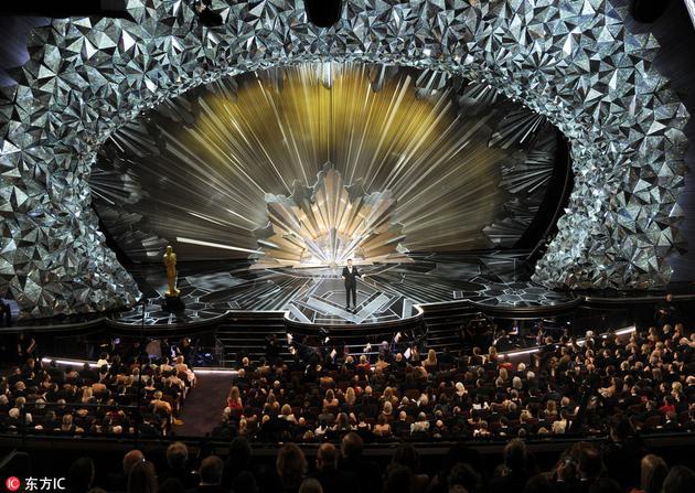 用4500万颗施华洛世奇水晶打造的奥斯卡舞台