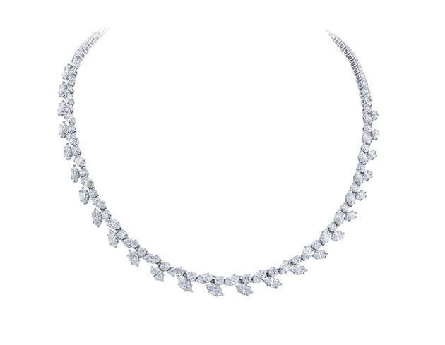 海瑞温斯顿经典锦簇Winston Cluster系列钻石项链;总重约25.94克拉,悉心镶嵌于铂金底座