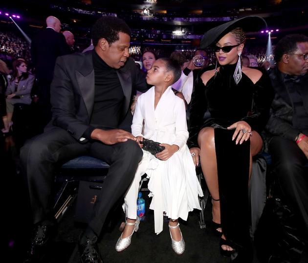 碧昂丝携老公Jay-Z和女儿Blue一同出席格莱美
