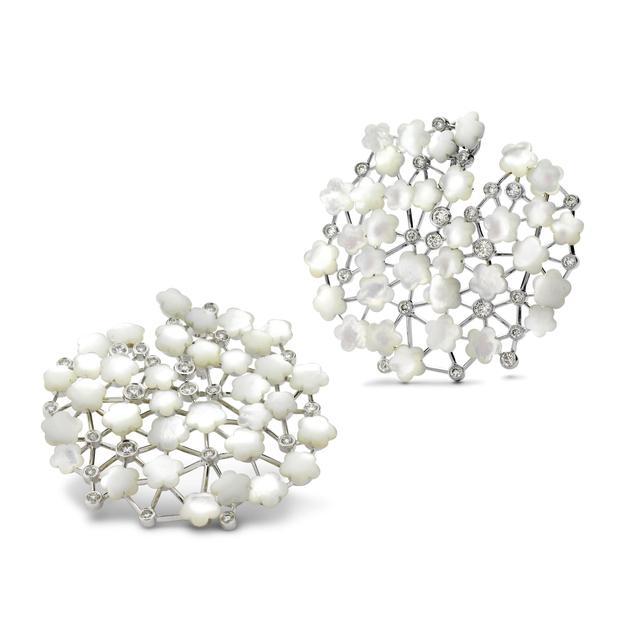 满天星铂金钻石耳环