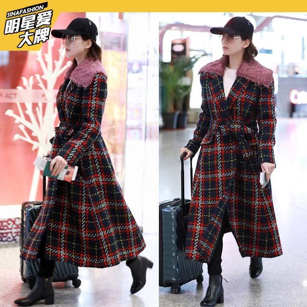 刘诗诗率性格纹大衣造型