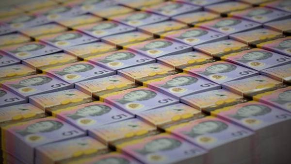 奇牛国际:美股暴跌 特朗普再度抨击美联储
