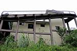 最牛公厕:绝壁悬空50米
