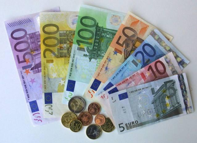 美国收益率倒挂暗示衰退 欧元兑美元持续看空