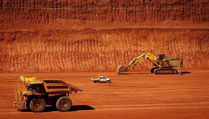 收评:能化与黑色系重挫、原油跌逾4% 铁矿石、焦炭跌逾3%