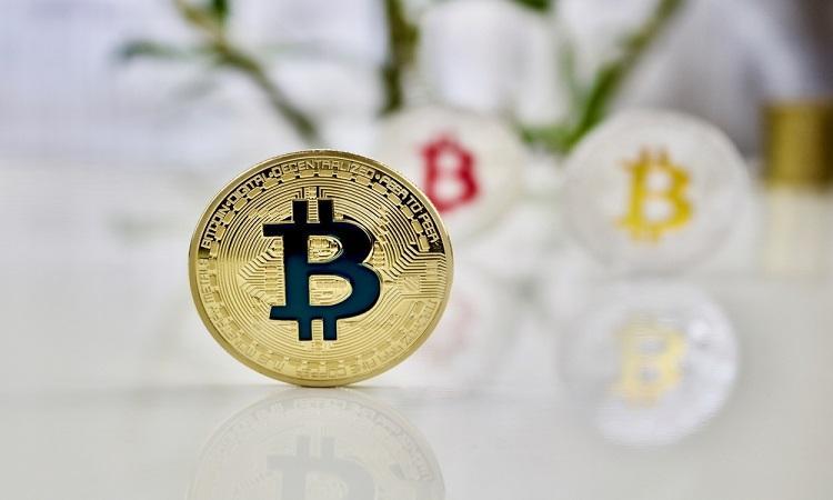 比特币价格再次短暂冲上6万美元 多家上市公司宣布进军加密市场