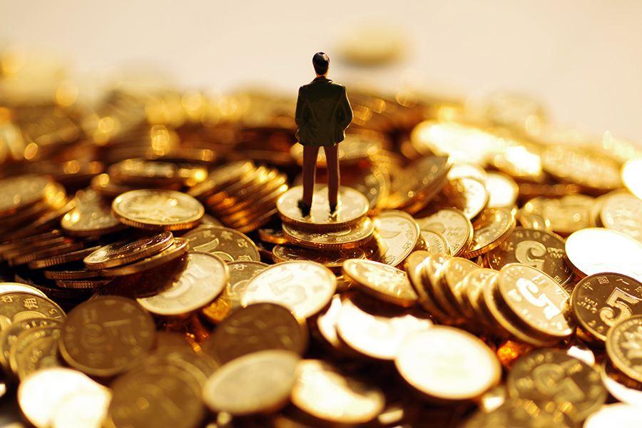 黄益平:疫情期间支持小微企业财务成本应由财政或央行分担