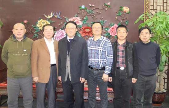 图为基本法六君子聚首,(由左到右)包政、杨杜、黄卫伟、彭剑锋、孙健敏、吴春波。摄于2016年1月2日。