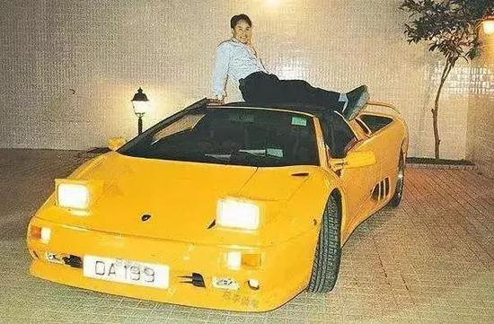 張子強和DA199牌照蘭博基尼,香港,1995年